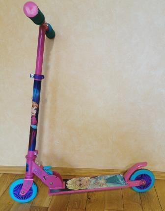 12/2021: pinkfarbener Kinderroller im OT Großbodungen auf dem Spielplatz gefunden
